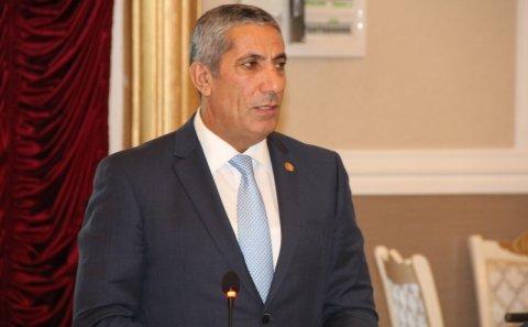 Aparıcı Siyavuş Novruzovun efirə sərxoş çıxmasından danışdı: