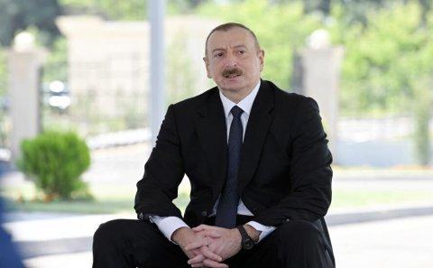 10 min şəhid ailəsi və müharibə əlili... - Prezident