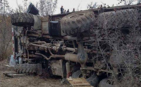 """Zəngəzurda mərmi daşıyan """"Ural"""" aşdı: Erməni hərbçilər ağır yaralandı"""